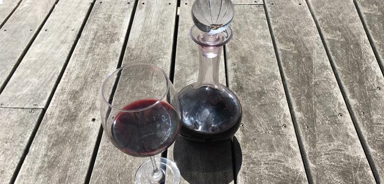 carafer sa bouteille de vin