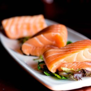 Saumon avec salade